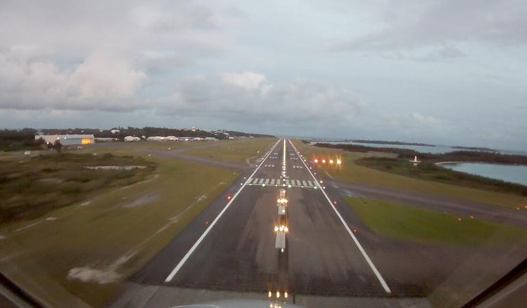 bermuda_airport3