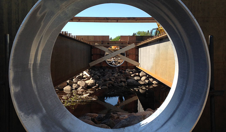 Camrose_bridge_2
