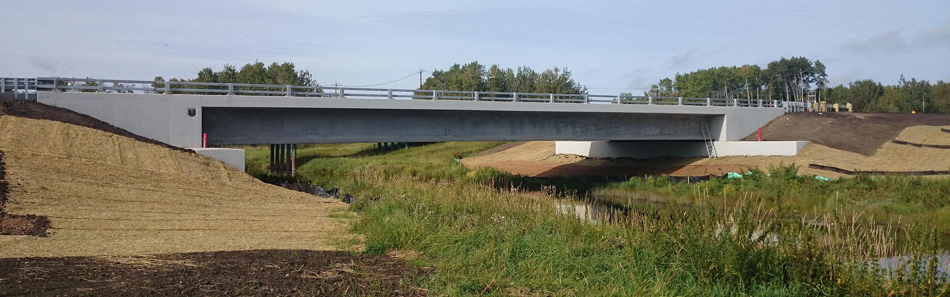 La_Biche_Bridge_banner